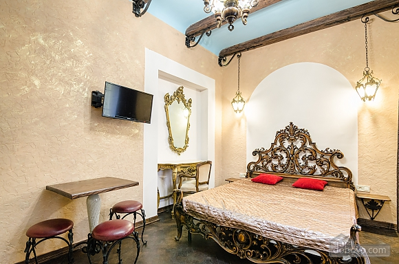 Studio apartment in historic centre, Monolocale (98213), 001