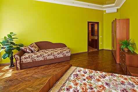 Оригинальные апартаменты, 2х-комнатная (12312), 004