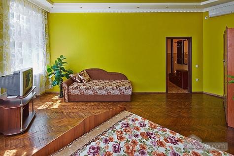 Оригинальные апартаменты, 2х-комнатная (12312), 005