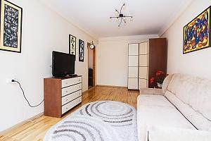 Просторные апартаменты в центре Киева, 2х-комнатная, 002