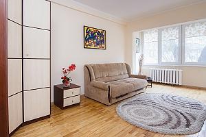 Просторные апартаменты в центре Киева, 2х-комнатная, 001