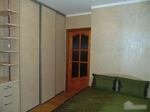 Затишна квартира, 3-кімнатна (22799), 004