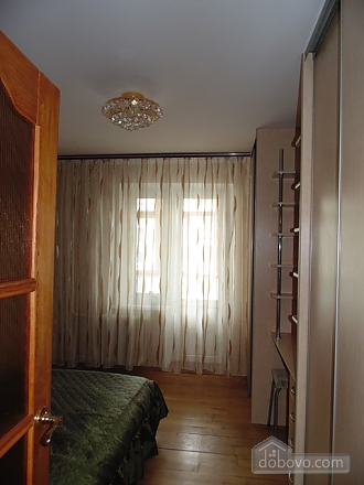 Затишна квартира, 3-кімнатна (22799), 005