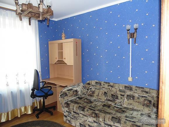Затишна квартира, 3-кімнатна (22799), 011