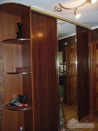 Затишна квартира, 3-кімнатна (22799), 013