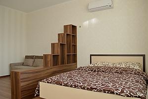 Квартира рядом с метро Оболонь, 1-комнатная, 001