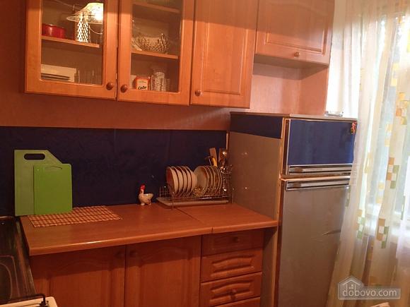 Квартира на Титова, 2х-комнатная (94356), 002