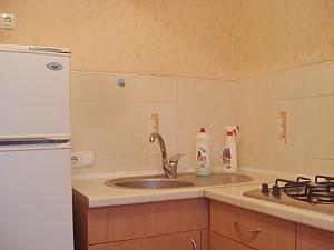 Уютная квартира, 2х-комнатная, 003