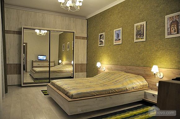 Апартаменти з балконом, 2-кімнатна (96911), 001