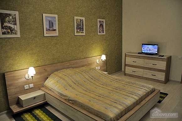 Апартаменти з балконом, 2-кімнатна (96911), 005