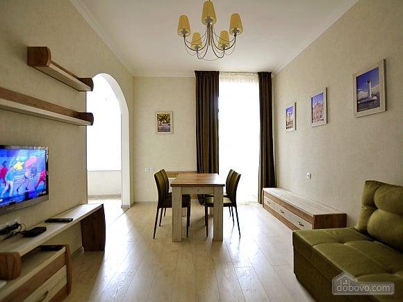 Апартаменти з балконом, 2-кімнатна (96911), 002