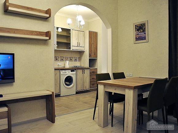 Апартаменти з балконом, 2-кімнатна (96911), 006