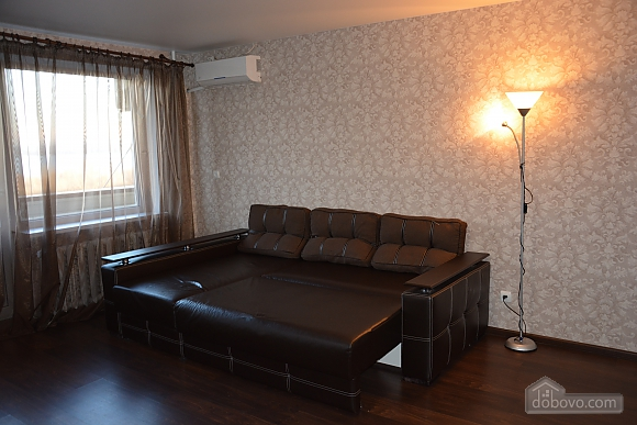Apartment with renovation and overlooking the Dnieper River, Studio (41796), 002
