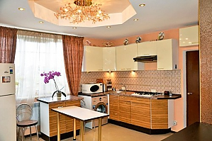 Luxury house in Kiev on the bank of the gulf of Desna, Quattro Camere, 003