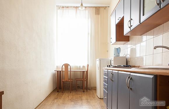 Apartment on Sofiivska square, Studio (37808), 003