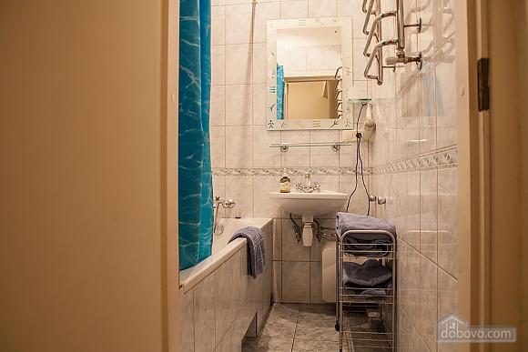 Apartment on Sofiivska square, Studio (37808), 004