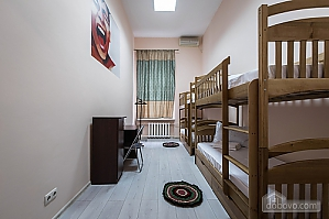 Bed in a superior 4-beds suite, Monolocale, 001