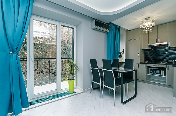 Excellent apartment with designer renovation, One Bedroom (49627), 002