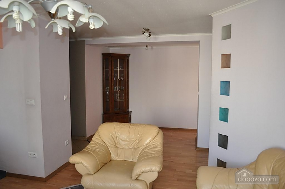 Apartment with separate bedrooms, Two Bedroom (96257), 008