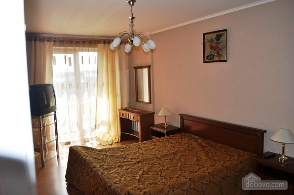 Apartment with separate bedrooms, Two Bedroom (96257), 009