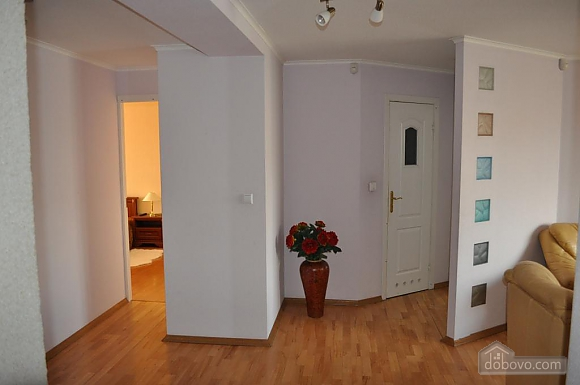 Apartment with separate bedrooms, Two Bedroom (96257), 010