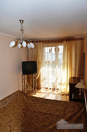 Apartment with separate bedrooms, Two Bedroom (96257), 011