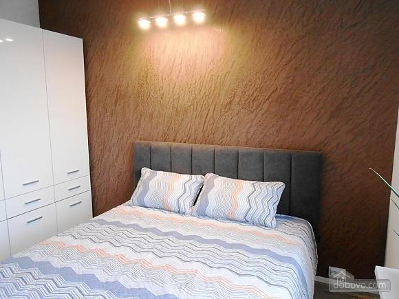Сучасна квартира, 2-кімнатна (66942), 004