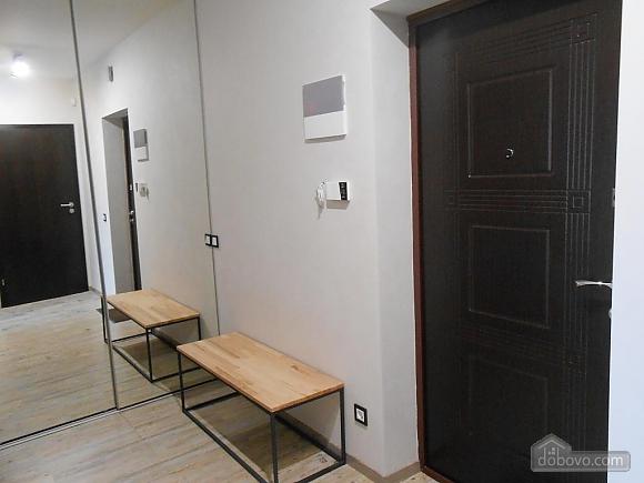 Сучасна квартира, 2-кімнатна (66942), 024