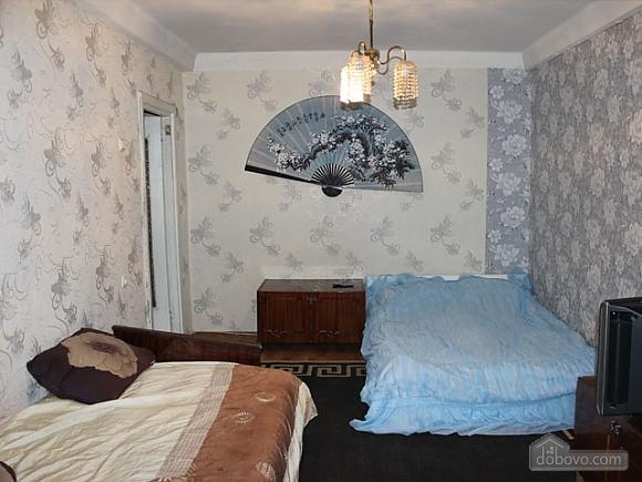 Бюджетная квартира на КПИ, 1-комнатная (23296), 001