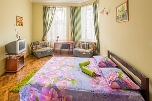 Apartment in the center near Rynok square, Two Bedroom, 001