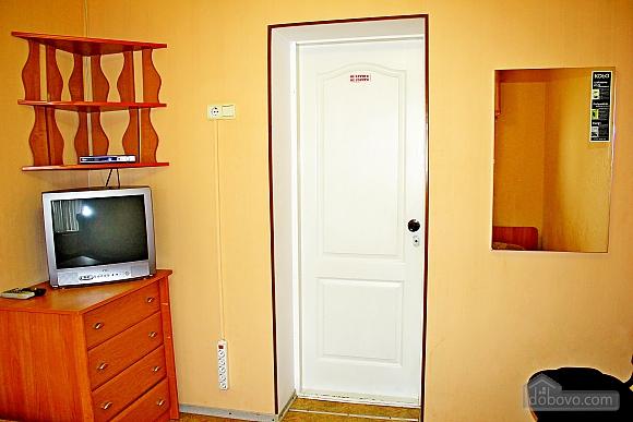 Комната с удобствами на этаже, 1-комнатная (11818), 002