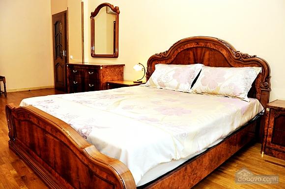 Beautiful apartment near to Olympiyskyi stadium , One Bedroom (70369), 001