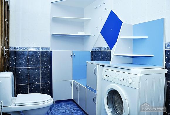 Beautiful apartment near to Olympiyskyi stadium , One Bedroom (70369), 010