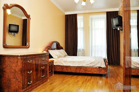 Beautiful apartment near to Olympiyskyi stadium , One Bedroom (70369), 002