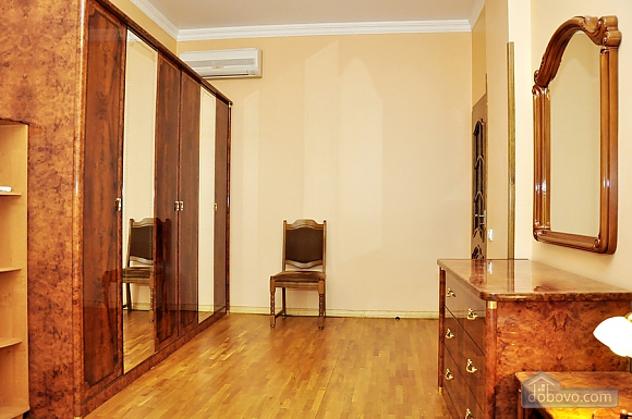 Beautiful apartment near to Olympiyskyi stadium , One Bedroom (70369), 003