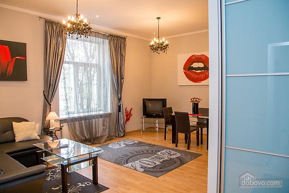 Апартаменты в центре, 2х-комнатная (97814), 007