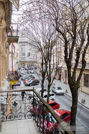 Апартаменты в центре, 2х-комнатная (97814), 017