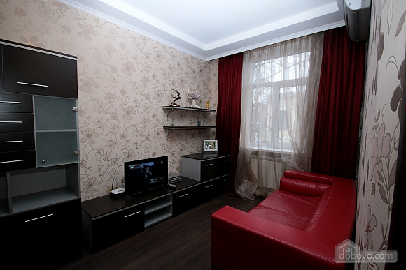 Modern apartment in 5 minutes from Arsenalna metro station, One Bedroom (70882), 004