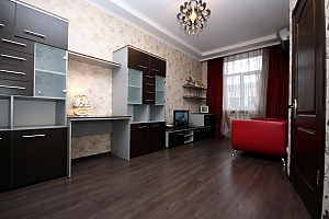Modern apartment in 5 minutes from Arsenalna metro station, Zweizimmerwohnung, 003