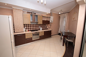 Modern apartment in 5 minutes from Arsenalna metro station, Zweizimmerwohnung, 002