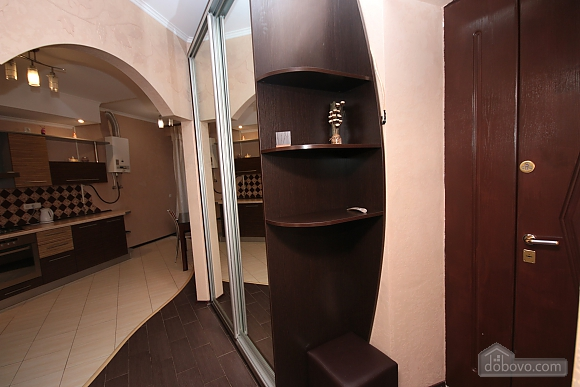 Modern apartment in 5 minutes from Arsenalna metro station, One Bedroom (70882), 008
