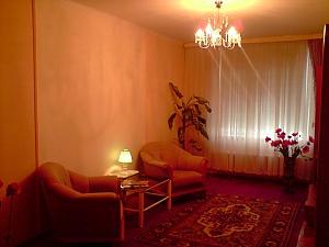 Cozy apartment with renovation near to Livoberezhna station, Studio, 003