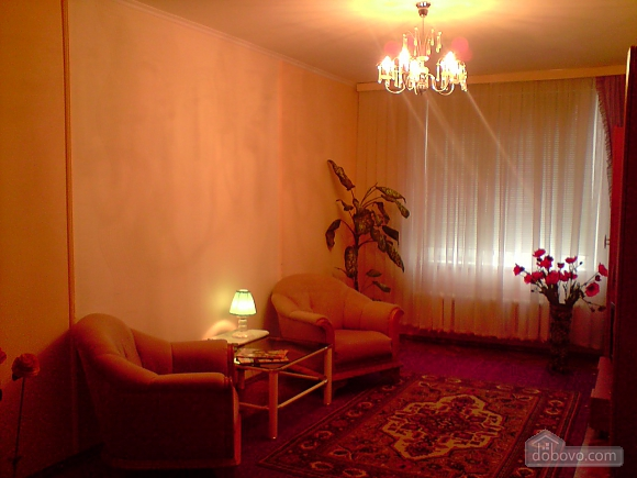 Cozy apartment with renovation near to Livoberezhna station, Monolocale (80133), 003