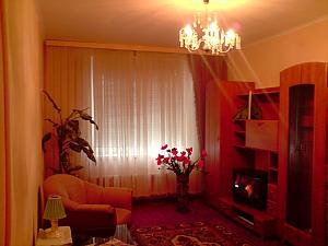 Cozy apartment with renovation near to Livoberezhna station, Studio, 001