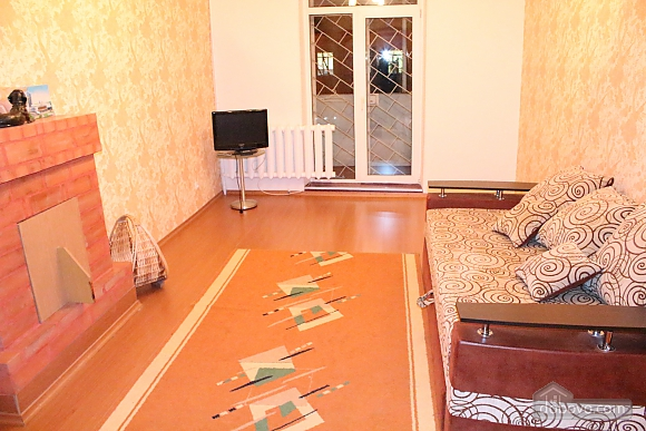 Apartment in the city center, Four Bedroom (12864), 004