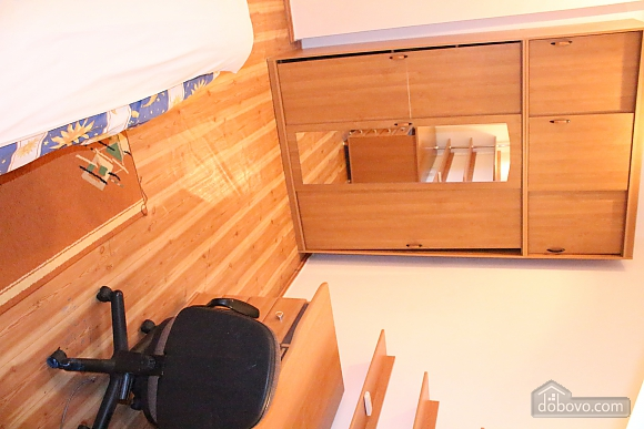 Apartment in the city center, Four Bedroom (12864), 019