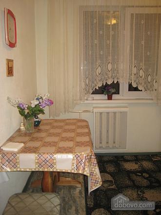Квартира в самом центре, 2х-комнатная (33386), 006