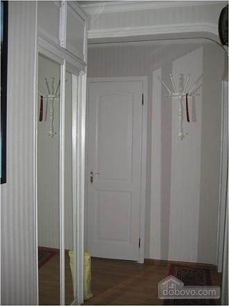 Апартаменти в центрі, 2-кімнатна (19743), 002
