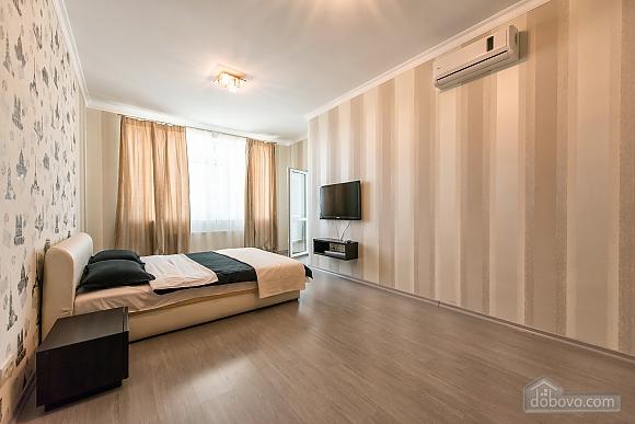 Apartment Arcadia building Persha Zhemchuzhina, Una Camera (13646), 007