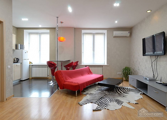 Apartment in the city center, One Bedroom (13910), 001